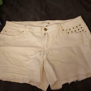 APT. 9 (plus size) jean shorts